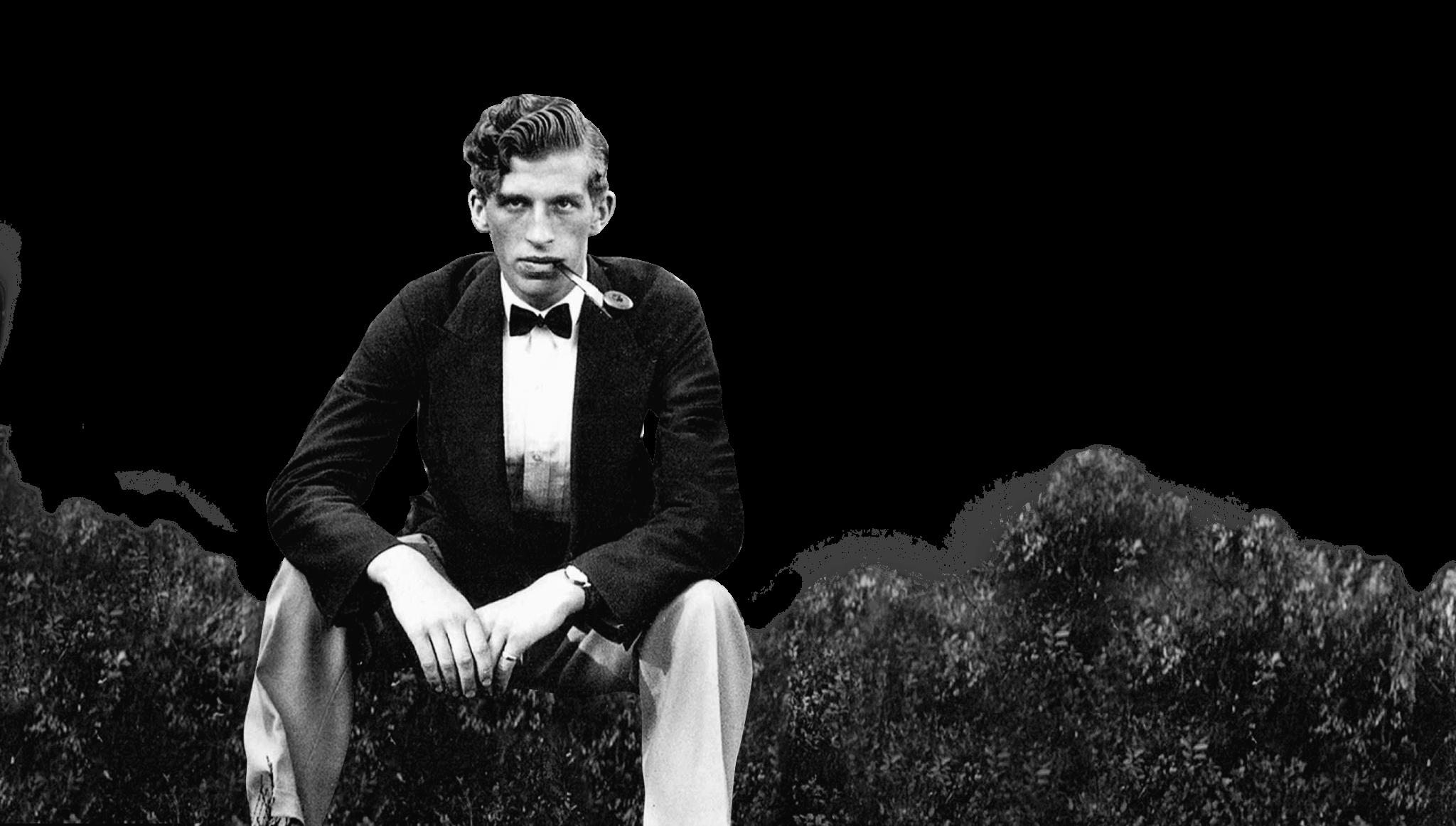 Maurice Välklädd mitt i lingonriset